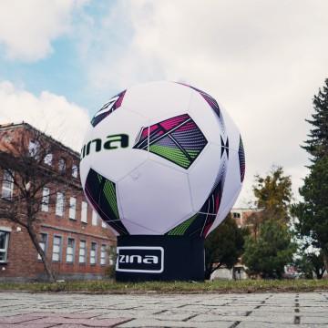 The Gamma advertising balloon as a replica of the ZINA soccer ball