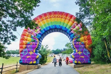 Unique arch gate with individual design for the Holi festival